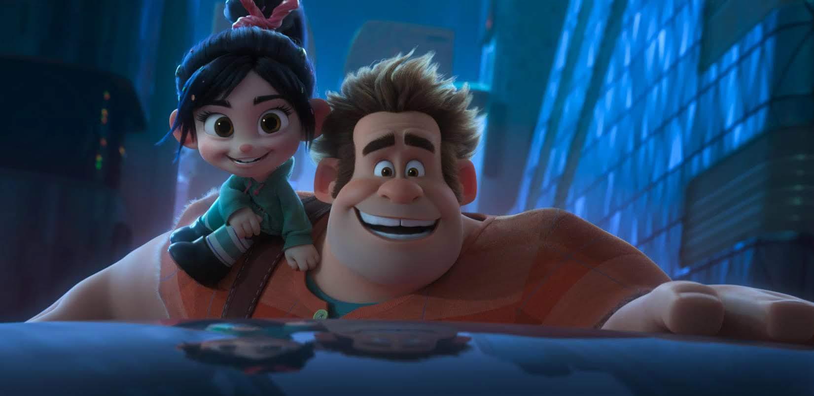 Box Office : 11月23日~25日の全米映画ボックスオフィスTOP5の第1位 - ディズニーの人気アニメ映画の第2弾「ラルフ・ブレイクス・ジ・インターネット」が、ワンダーウーマンのガル・ガドットを声優に起用した話題作りも功を奏し、前作を超える成績を達成したばかりか、感謝祭興行史上2番めの大ヒットを叩き出した初登場第1位 ! !