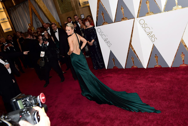 Oscar 2016 Rachel McAdams vestida de Atelier Versace