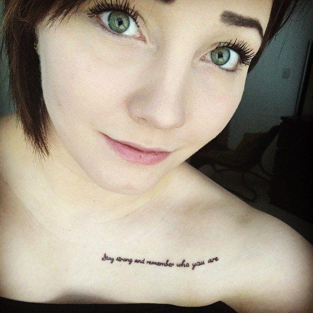 tatuaje que significa mantente erguido y recuerda quien eres