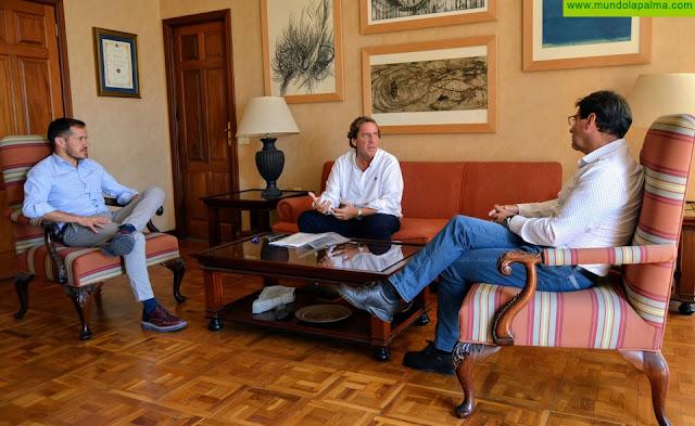 El Cabildo analiza, junto al eurodiputado Gabriel Mato, el apoyo de la UE a La Palma durante la crisis de la COVID-19