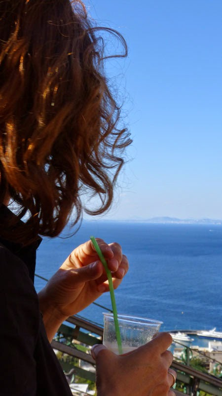 Eu, tomando granita de Limão em Capri!