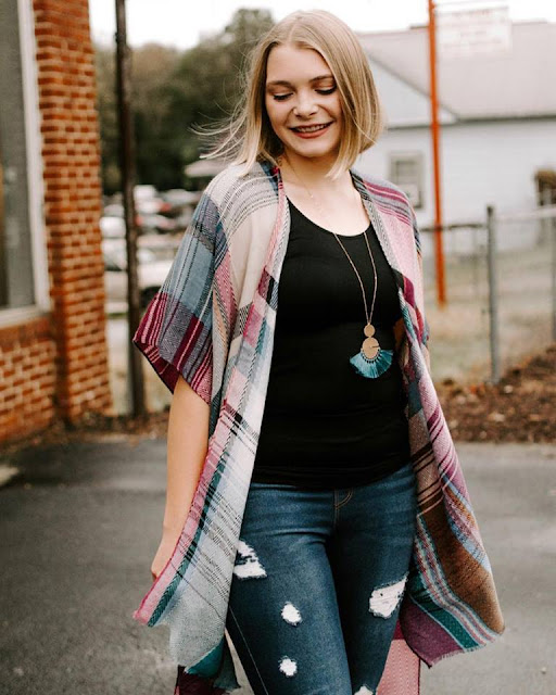 shop small holiday gift guide greenville south carolina fashion lifestyle blogger everyday emily goosefeathers