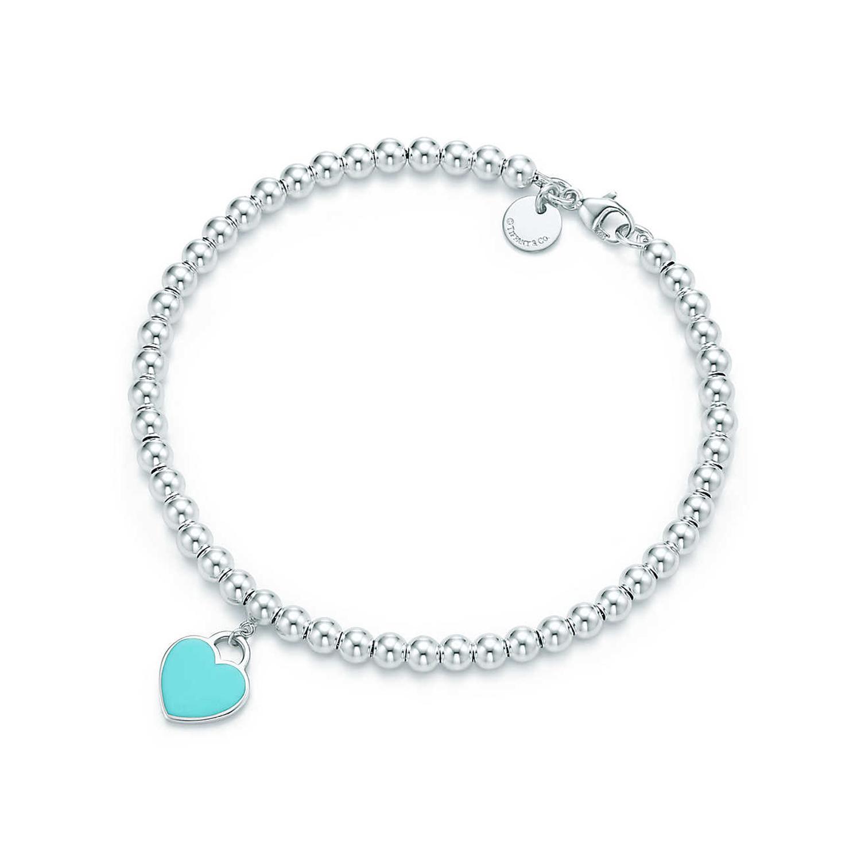 Berloque de coração mini em prata de lei em uma pulseira de contas Return  to Tiffany 11f980a55e