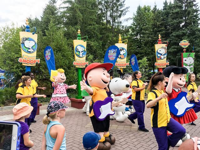 Peanuts Gang Canada's Wonderland