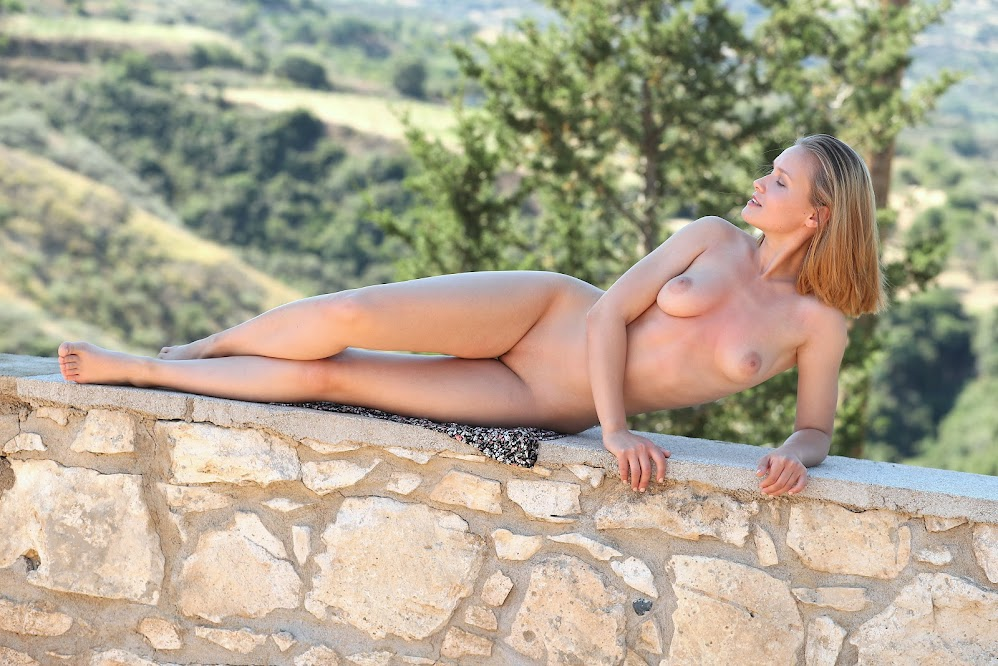 title2:MetArt Lucretia K Nude Vacation