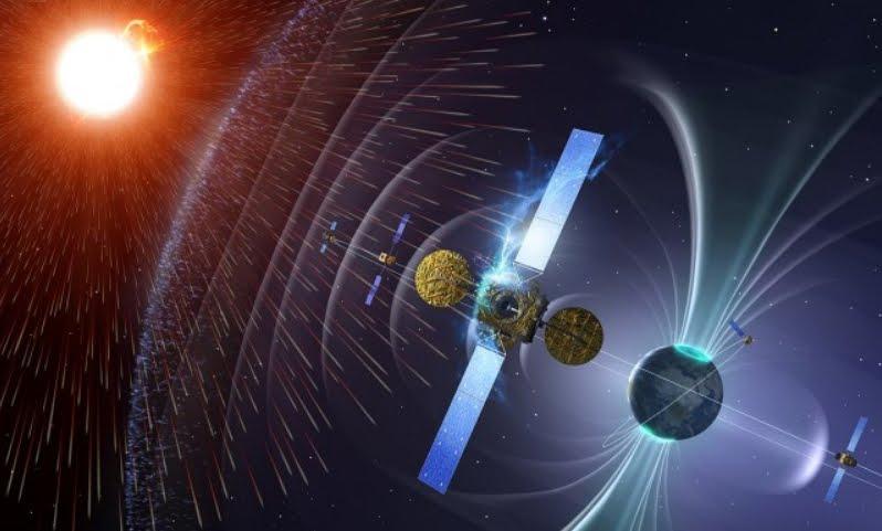Il campo magnetico terrestre si indebolisce.