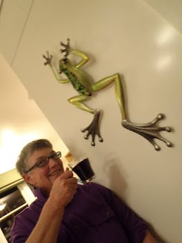 One Sunday evening with mulled wine and frog