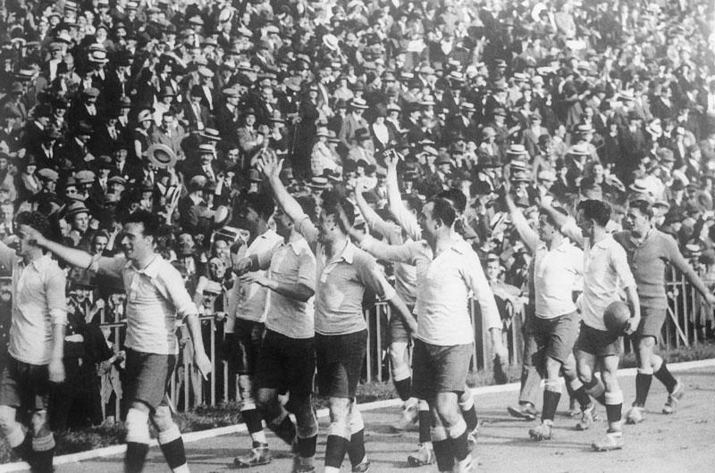Selección Uruguaya de Fútbol - Página 2 Uruguay-vuelta-olimpica-2