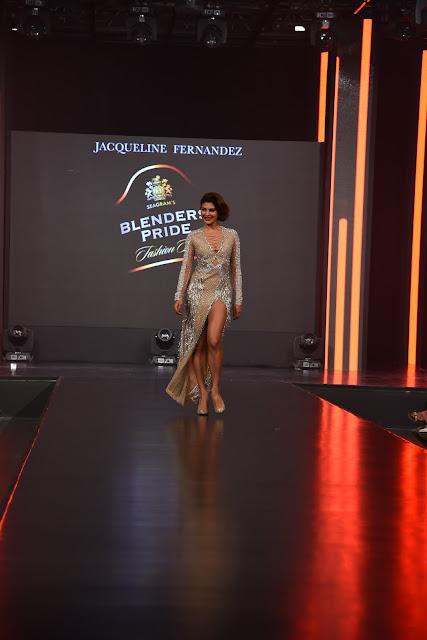 Jacqueline Fernandez Hot Stills at Blenders Pride Fashion Tour 2017