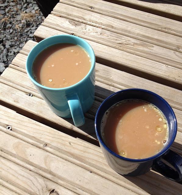 Välillä juodaan kahvit