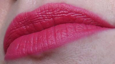 saveonbeautyblog_guerlain_kiss_kiss_matny_ruz_na_pery_daring_pink_recenzia