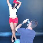 Andrea Rincon, Selena Spice Galeria 16: Linda Gorra Roja, Camiseta Blanca, Mini Tanga Roja Tipo Hilo Dental Foto 5