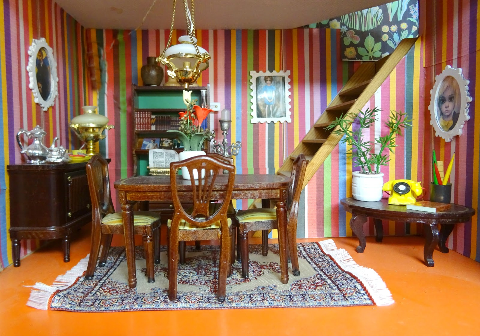Vintage Vixen: Escape To The Dolls' House - Further ...