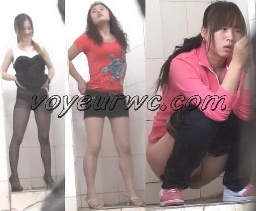 ShareVoyeur 582-604 (Chinese women pee in the public toilet hidden cams)