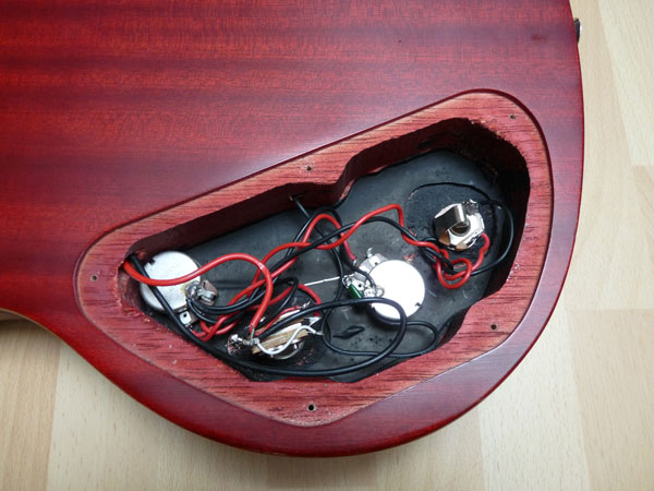 Midi Guitars: Epiphone SG  First attempt at fitting a