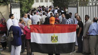 اتهام السفارة المصرية بالكويت, الاعتداء على محامى كويتى, الخارجية المصرية,