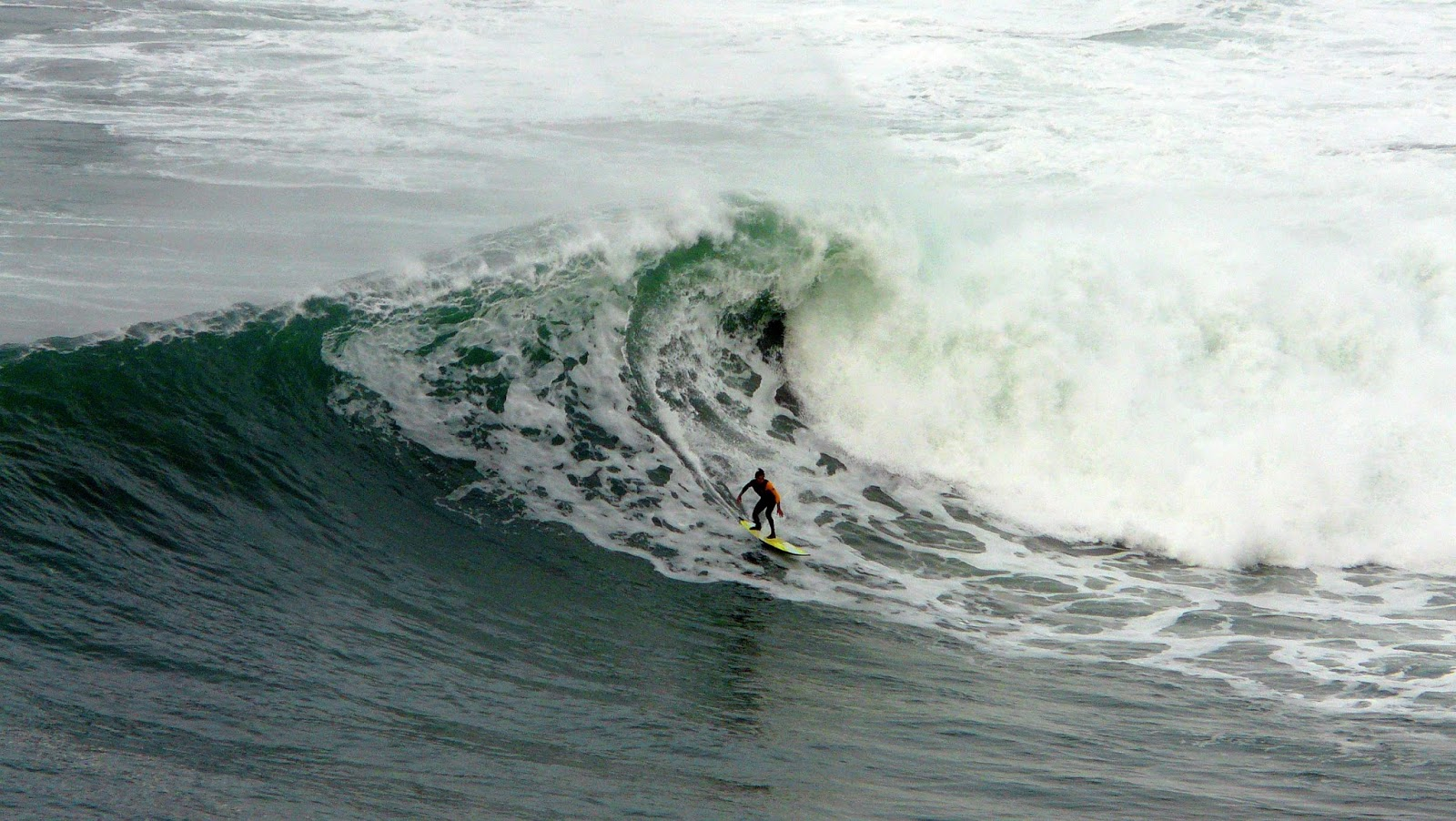 surf menakoz diciembre 2015 olas grandes 44