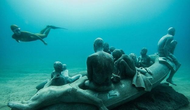 Patung Bawah Laut