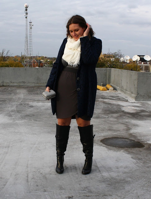 In Kinsey's Closet black boots white scarf winter look fall fashion