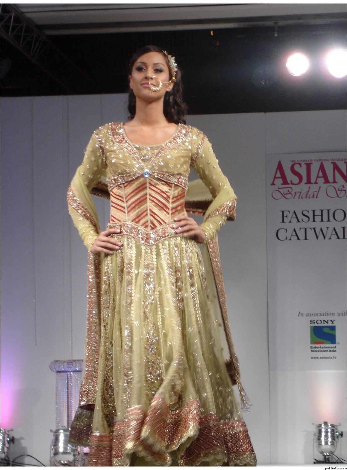 New Fashion Luxury Collection: Anarkali Bridal Fashion Show | Asiana ...
