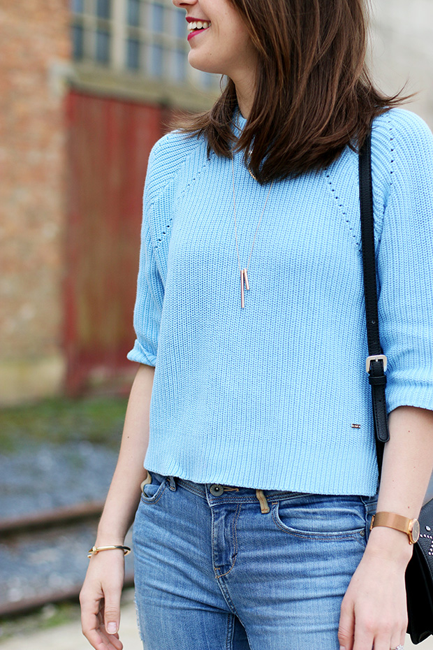 perfect cropped sweater for the spring