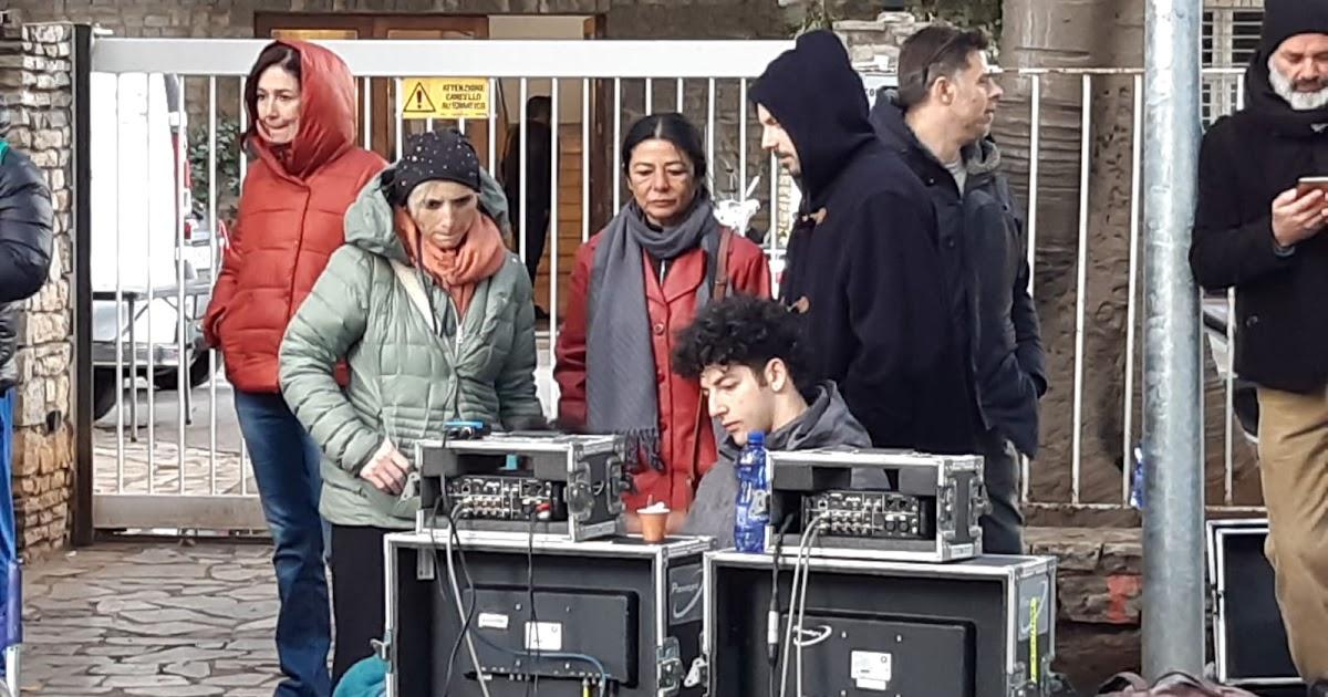 """Cinema. Gli studenti della scuola """"Piano Focale"""" sul set de """"Il delitto Mattarella"""""""