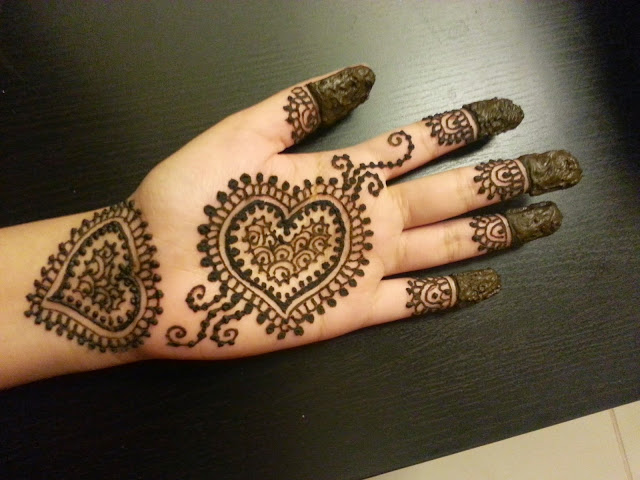 Heart Design Hand Mehndi For Girls! Art Magazine
