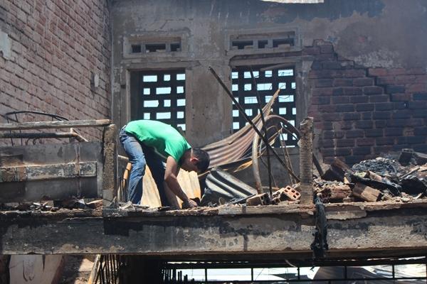 """Gia Lai: Vụ cháy chợ trung tâm huyện Kbang - Tiểu thương """"nuôi"""" hy vọng bên đám tro tàn"""