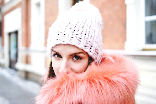 09/01/2017 PARKA WITH PINK FUR