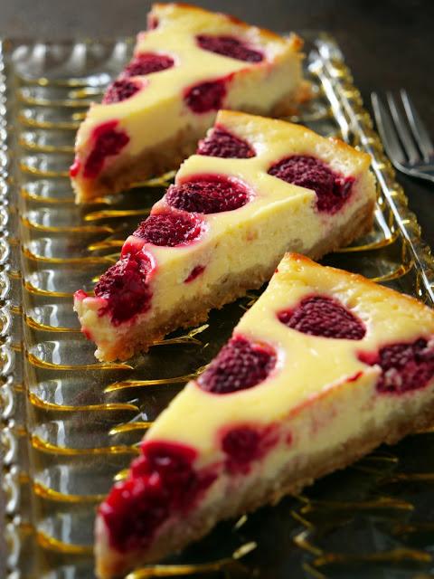 Cheesecake mit Himbeeren und Ricotto.