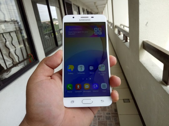 Samsung Galaxy J7 Prime Front