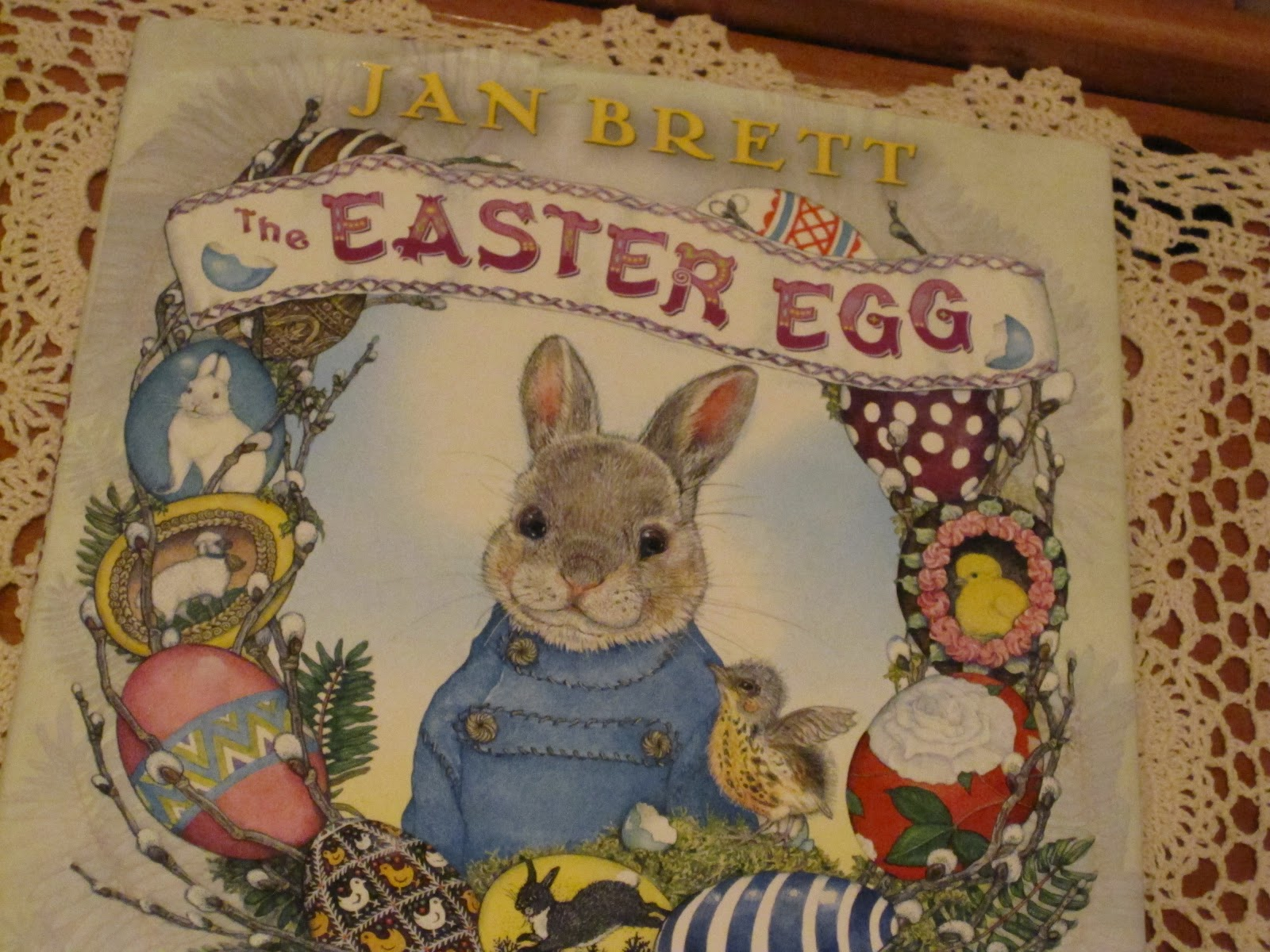 The Peapod Book Review The Easter Egg