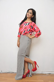 Actress Nithya Shetty Pictures at Padesave Platinum Disc Function 0039