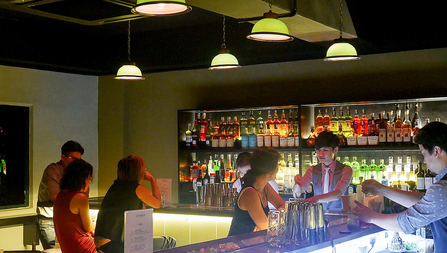 Eat drink kl sparrow bar kota damansara for Food bar kota damansara