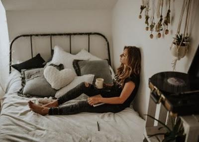 7 Hal Yang Bisa Membuatmu Senang Saat Bosan Jalan