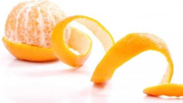Memutihkan Kulit Wajah Dengan Kulit Jeruk