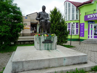 Ходоров. Памятник И. Я. Франко
