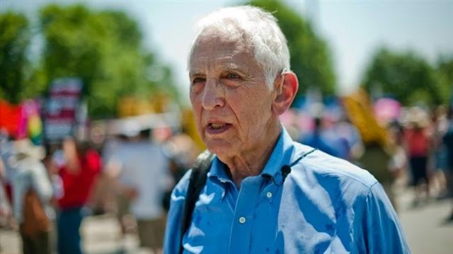 Pentagon Papers whistleblower Daniel Ellsberg urges James Mattis to protect world from Donald Trump