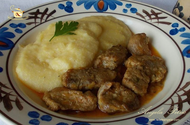 Reteta tocanita de porc, preparat traditional tocanita de porc