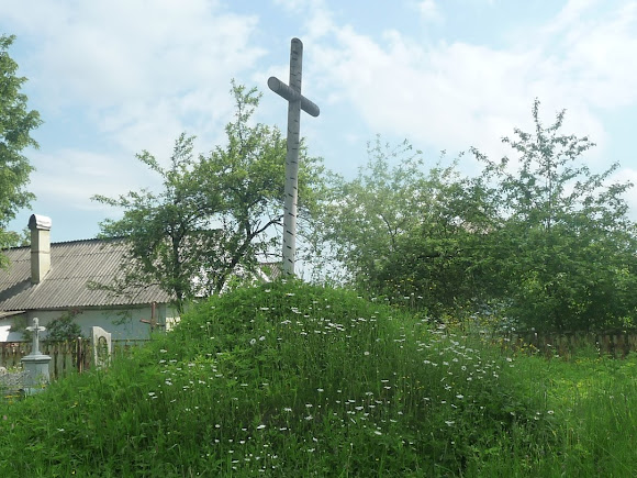 Болехів. Символічна могила і хрест Українським Січовим Стрільцям