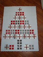 http://kristaquilts.blogspot.ca/2017/11/all-wrapped-up-christmas-tree.html