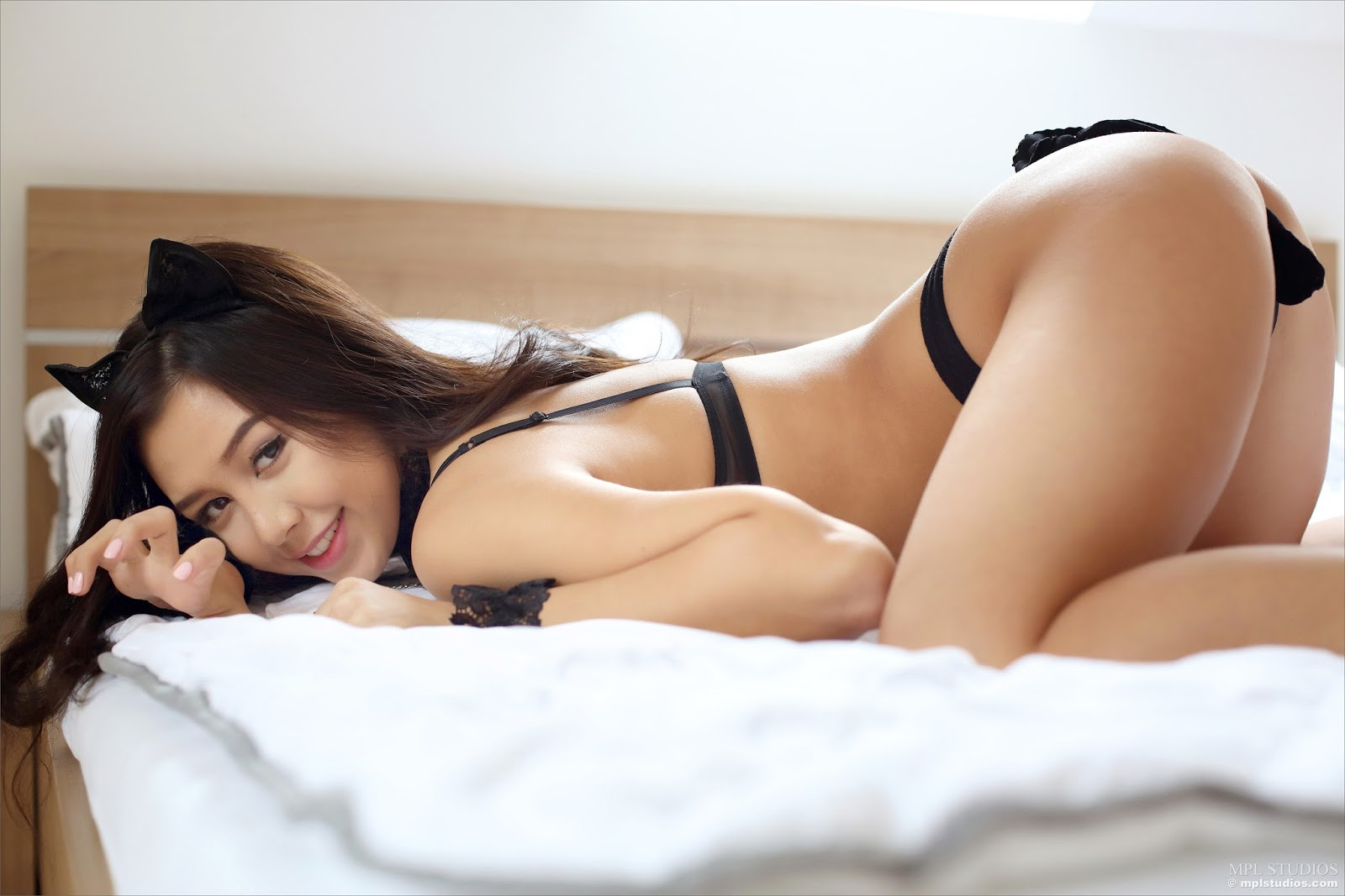 Play toy with escort girl singapore
