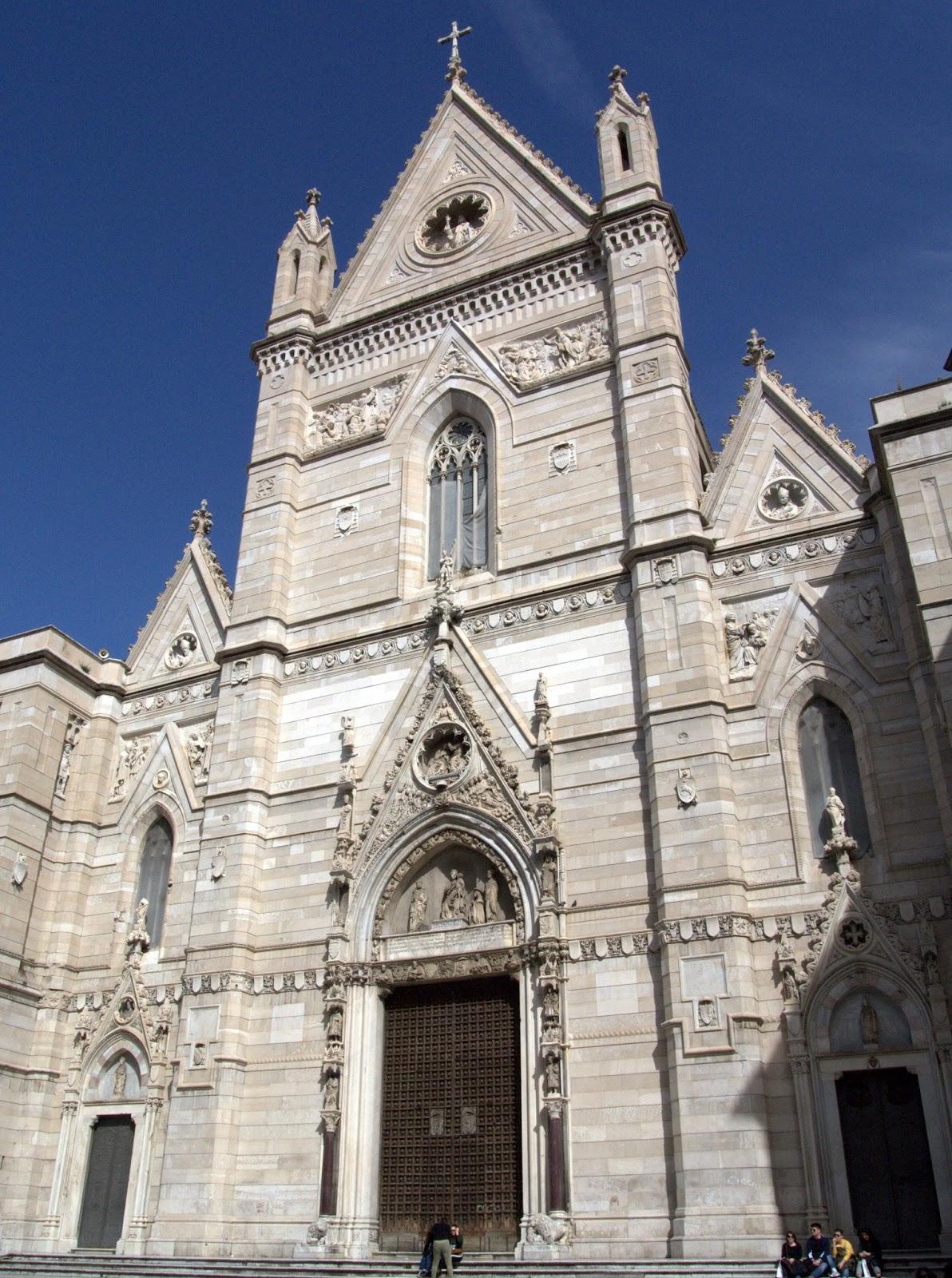Kościoły w Neapolu,