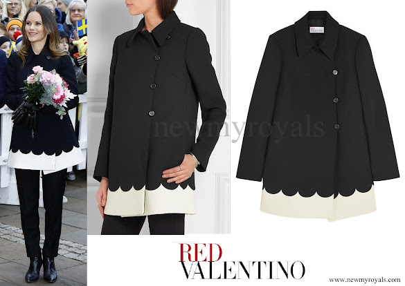 Princess Sofia wore RED VALENTINO Two-tone scalloped tech jersey coat