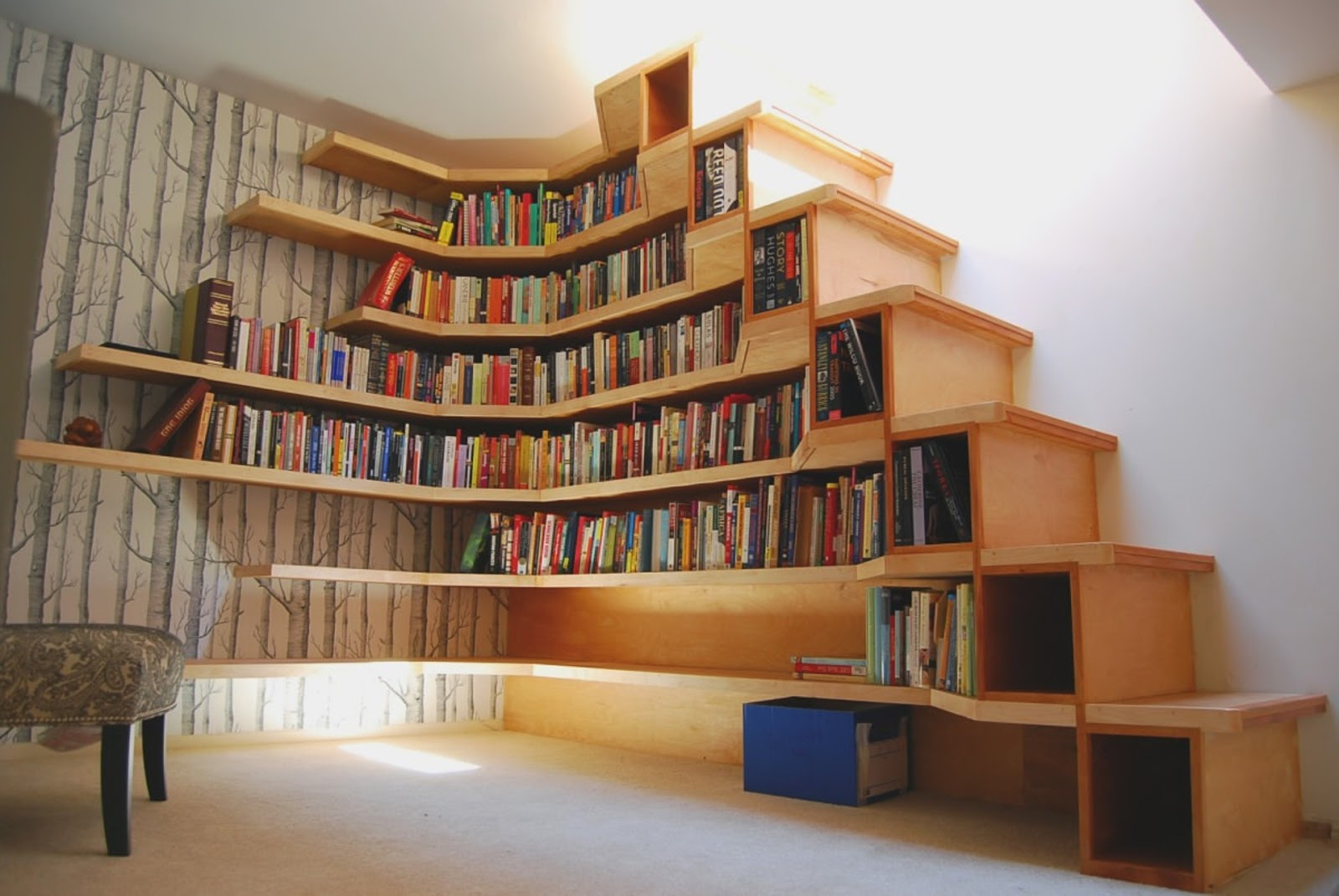 Bookshelf Staircase ! Home Decor