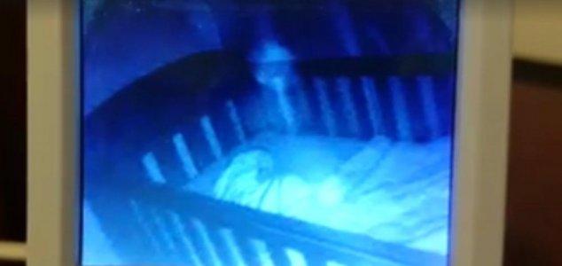 Seram, Kamera CCTV Rekam Aksi Hantu Ganggu Bayi