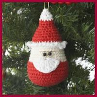 pequeño Santa amigurumi