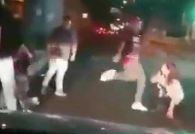 VIDEO; Tunden a una pareja que intentó defender a un hombre en Tláhuac; la mujer queda inconsciente.