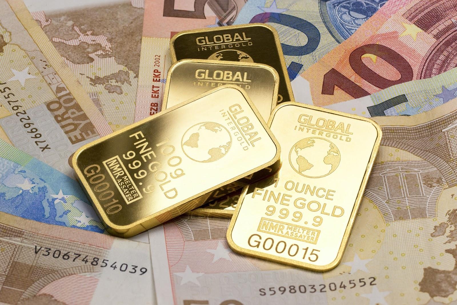 menabung uang atau menabung emas, menabung emas lebih menguntungkan, cara menabung emas dengan modal minim, kelebihan menabung emas, kelebihan emas daripada uang, emas vs uang,