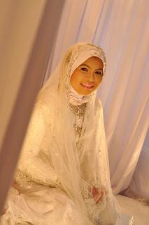 gambar baju akad nikah putih